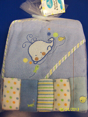 Hooded Towel & Washcloth Set Bath Cute Baby Shower Party Gift - Blue Whale