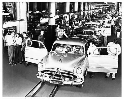 1951 Hudson Final Assembly Line Factory Photo uc2464-FQ22WA