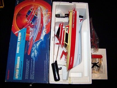 Radio Shack Fire Fighting Speed Cruiser Radio-Controlled vintage RC boat WORKS