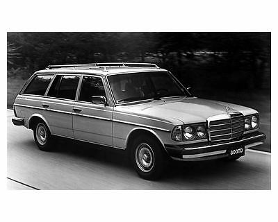 1982 Mercedes Benz 300TD Station Wagon Photo Poster zuc4281-ONH5EA