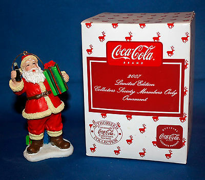 2007 Coca Cola Limited Collector's Society Members Only Porcelain Ornament