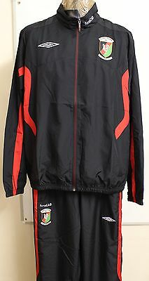 Glentoran Black And Red Tracksuit By Umbro Adults Size Xl Brand New With Tags