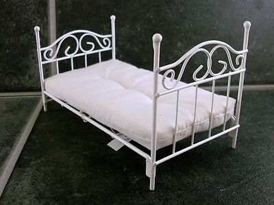 Dollhouse Miniature Bedroom Furniture White Wire Single Bed and Mattress