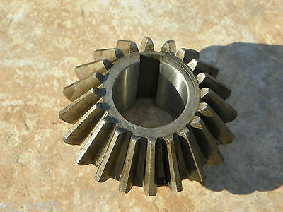 "End Gear for Walton / Galfre Hay Tedder 20 Tooth, 1-3/8"" Bore with key slot"