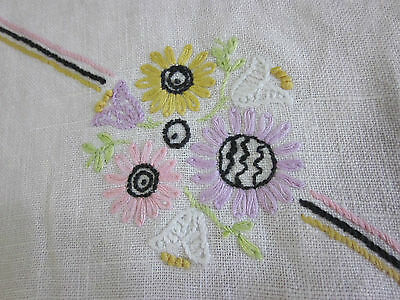 LOVELY VINTAGE FLORAL EMBROIDERED COTTON LINEN TABLE RUNNER 16X34