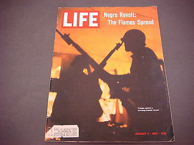 Life Magazine,August 4,1967,Negro Revolt:The Flames Spread,Troops Patrol Detroit