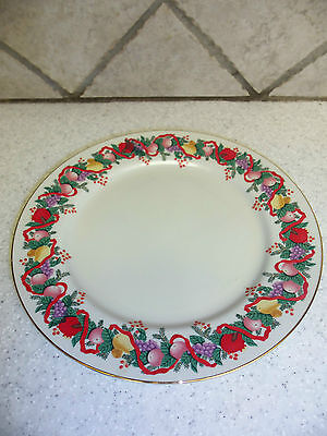 Classic Traditions Cranberry Hill Holiday Dinner Plates 10 1/8 in. Japan