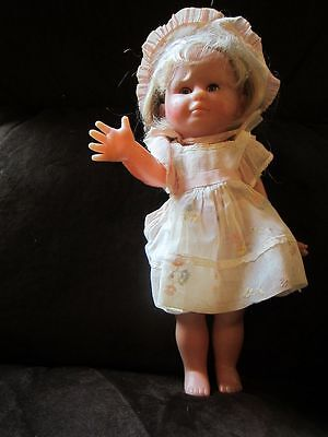 Corolle Made in France adorable doll girl in original outfit 1988  88/7 m14
