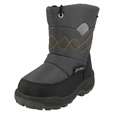 WHOLESALE Boys Snow Boots / Sizes 4x9 14 Pairs / Sizes 10x2 18 Pairs / N2011