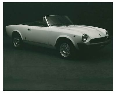 1981 Fiat 2000 Spider IE Pininfarina Automobile Photo Poster zch3811