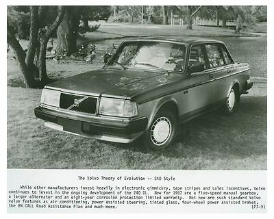 1987 Volvo 240 Automobile Photo Poster zch4307