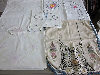 5 PC LOT VINTAGE EMBROIDERED TABLE RUNNERS CUTTER LOT FEEDSACK FABRIC ??