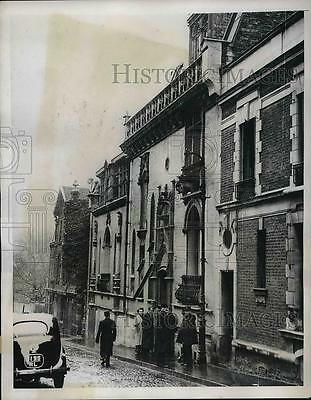 1937 Press Photo House In Which French Police Discover Huge Arms Store