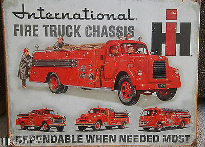 International Fire Truck Chassis/engine,  Vintage-Style Metal  Wall Sign 40X30Cm