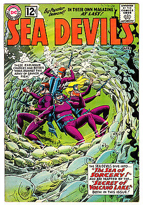 Sea Devils #4 8.0 Cream To Off-White Pages Silver Age Wash Cover