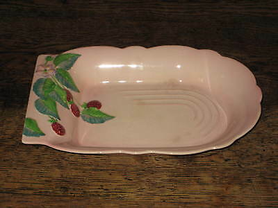 UNUSUAL CARLTON WARE AUSTRALIAN DESIGN BOWL LEAVES BERRIES