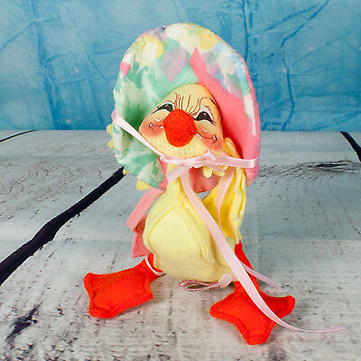 """Annalee Holiday Doll 7"""" Spring Duck W/ Bonnet & Pink Purse Dated 1994"""