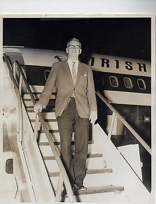 Man Disembarking Aer Lingus Irish International Airlines Plane 8 x 10 Photo 50s
