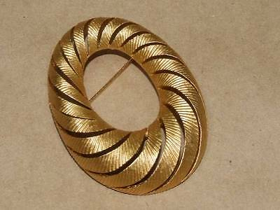 Vintage 60s Crown Trifari Textured Gold Tone Openwork Oval Pin Brooch 2 1/8""