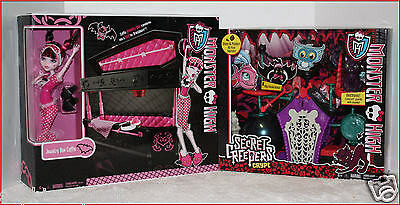 Monster High SECRET Creepers CRYPT + Coffin BED JEWELRY BOX + Draculaura Doll