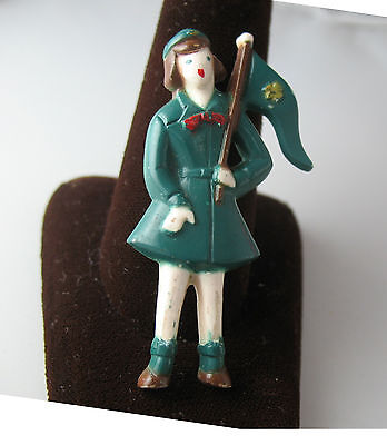 RARE 1950s Intermediate Girl Scout Figural Pin w/ Flag Trefoil Very Good Condit.