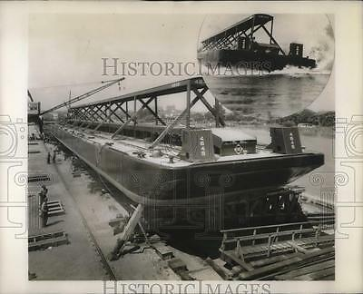1945 Press Photo A new Erie car float hit the water at Wilmington last week.