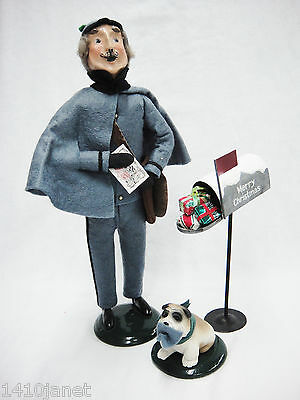 Byers Choice Carolers Postman Mailman Mailbox with Presents Dog 1990