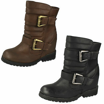 Wholesale Ladies Boots 14 Pairs Sizes 3-8 F50333