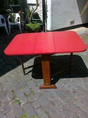 RETRO VINTAGE 1950'S RED FORMICA TOP DROP LEAF TABLE WOOD LEGS GREAT CONDITION