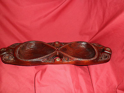 VINTAGE TIKI NEW ZEALAND WOODEN BOWL-SHELL DETAIL