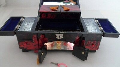 Vtg 1950s Japan Red Handpainted Black Lacquer Jewelry Lighted Music Box w/Angels