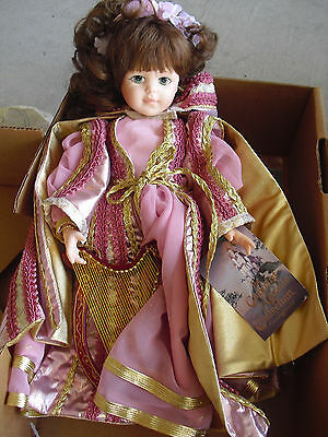 "Beautiful Robin Woods Lady Elaine Camelot Girl Doll 14"" Tall in Box"