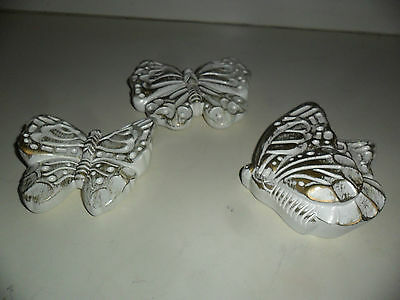 VINTAGE 3 CHALKWARE GOLD & WHITE BUTTERFLY WALL HANGINGS DECORATIONS