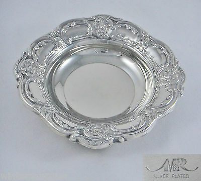 BEAUTIFUL QUALITY VINTAGE SILVER PLATED ORNATE WINE BOTTLE COASTER / BOWL VGC