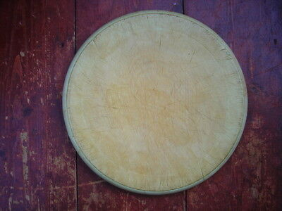 VINTAGE WOODEN BREAD BOARD 10.8 inches