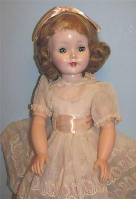 VINTAGE BEAUTIFUL 23 INCH AMERICAN CHARACTER SWEET SUE DOLL