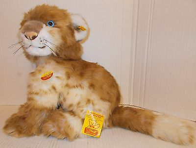 Steiff Junior Leo the Lion Number 2897/30 with Earring