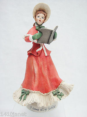 Simpich Character Dolls Woman Singer Caroler Porcelain Figurine 1986 Very Nice