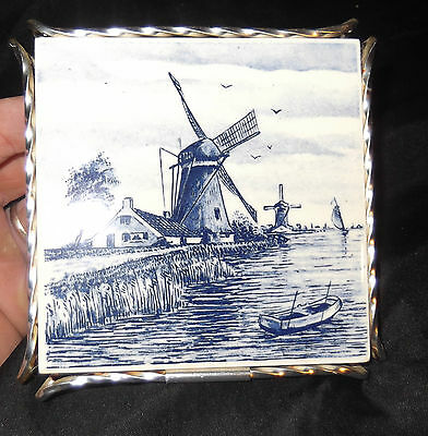 VINTAGE 4.25in MADE IN HOLLAND COLLECTORS TILE BLUE  WINDMILLS CERAMIC post 1940