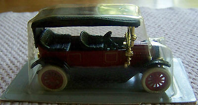 ERTL CLASSIC MINIATURE DIECAST METAL VEHICLE. 1912 BUICK. NEW (1548).