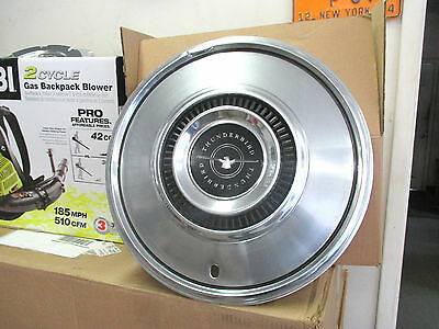 one 1972 1973 1974 1975 1976 Ford Thunderbird hubcap wheel cover chrome