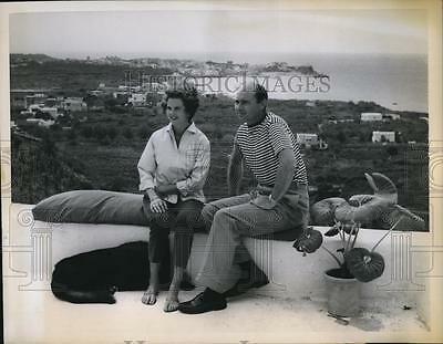 1958 Press Photo Princess Maria Pia of Savoy, Husband Prince Alexander in Ischia