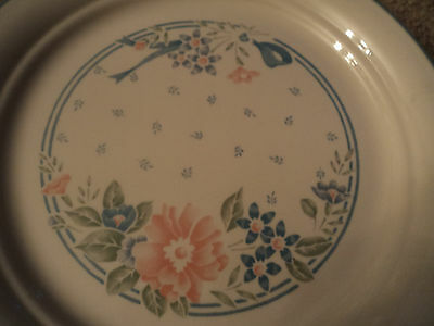 LOT OF 6 CORELLE SYMPHONY PATTERN LUNCHEON PLATES 8 1/4 INCHES