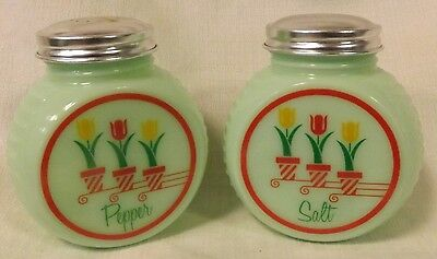 Jade Jadite Milk Green Glass Round Retro Style Salt & Pepper Shaker Set w/Tulips