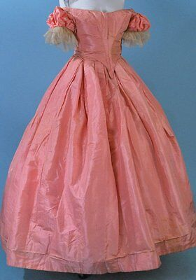 1860 ENCHANTING ANGELIC PINK SILK BALLGOWN POINTED LACE UP BODICE