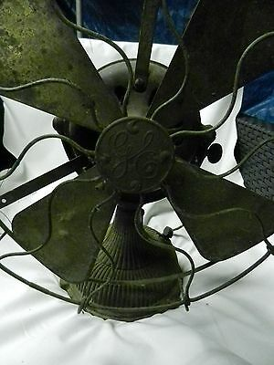 """EARLY GE RIBBED BASE FAN BRASS CAGE & 12"""" BRASS BLADE 5 SPEED"""