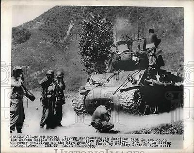 1950 Press Photo American Tank in action on the Korean Battle front.