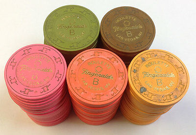 """100 REAL FITZGERALDS USED CLAY ROULETTE """"B"""" CHIP LAS VEGAS NEVADA 4 COLORS"""