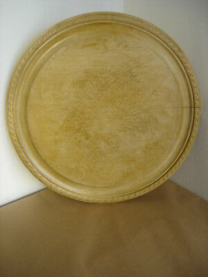 VINTAGE CARVED WOODEN BREAD BOARD - PIE CRUST 11.9 in