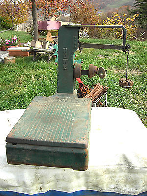 Antique/Vintage Howe counter/Table Top Scale Working w/weights Rutland Vermont